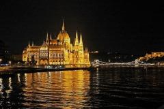 Budapest - Palazzo del parlamento visione notturno