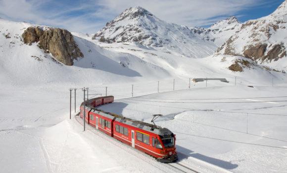 Trenino rosso del Bernina - Montagne innevate